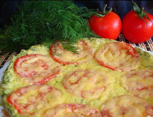 Пицца из кабачков с помидорами и укропом