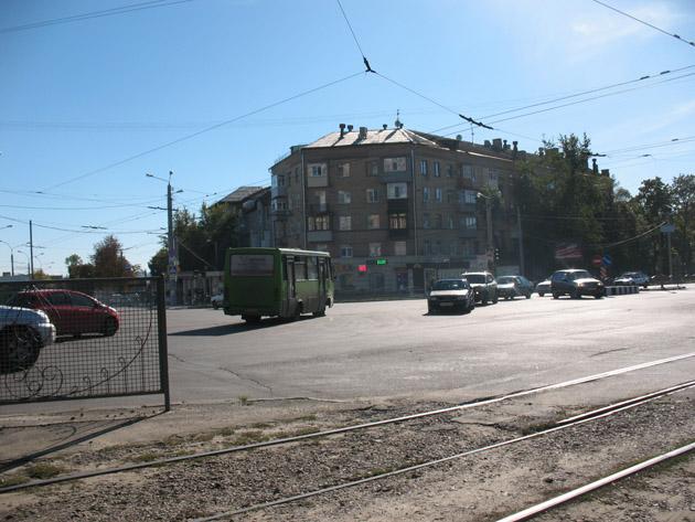 Вот этот автобус как раз и направляется в сторону «Птички». Птичий рынок в Харькове или харьковская «Птичка»