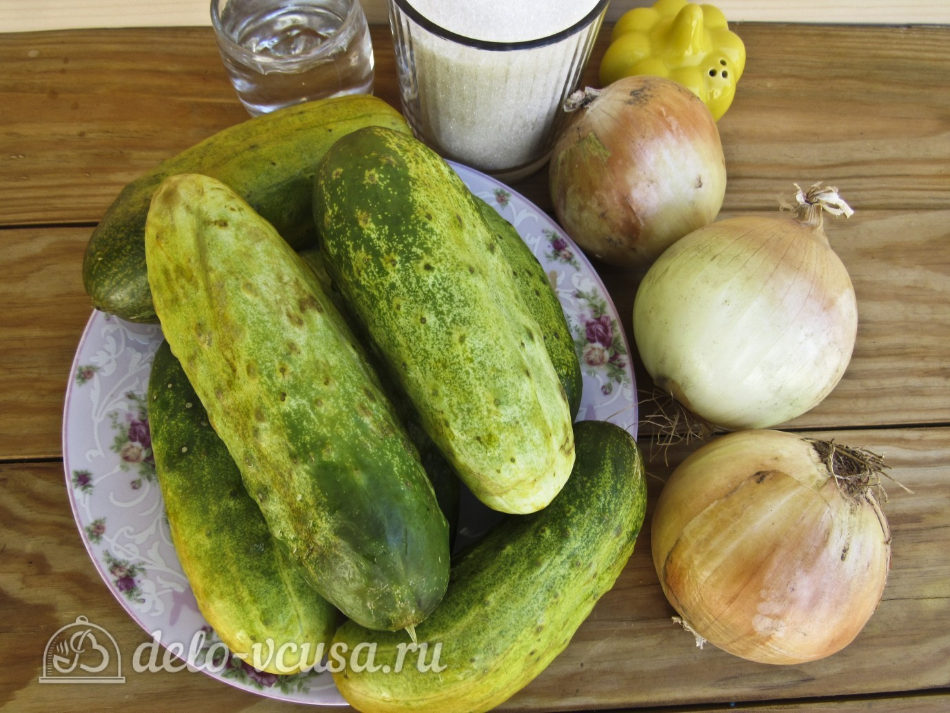 Салат Нежинский из огурцов: Ингредиенты