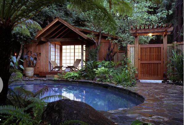 hot-poolside-landscape-design-trends-17