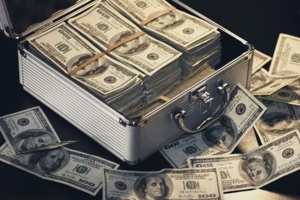 Кто станет первым долларовым триллионером в истории?