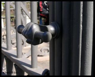 ручка ворот Спасо-Преображенского собора