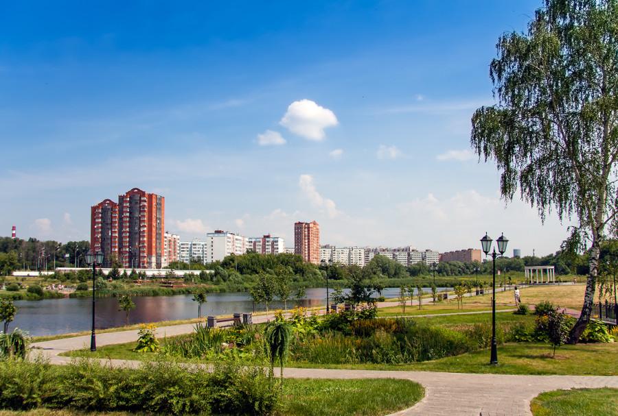 Левый берег Яузы.