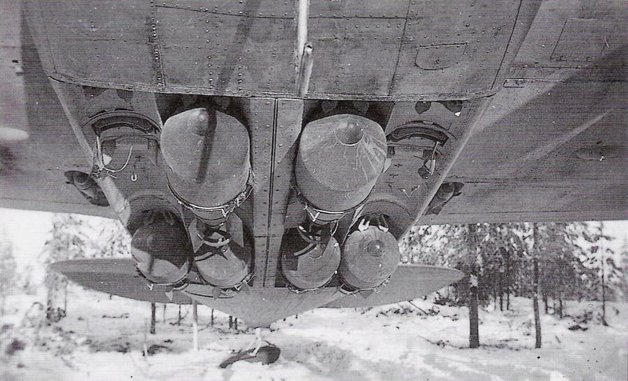 Подвеска бомб под Бленхеймом
