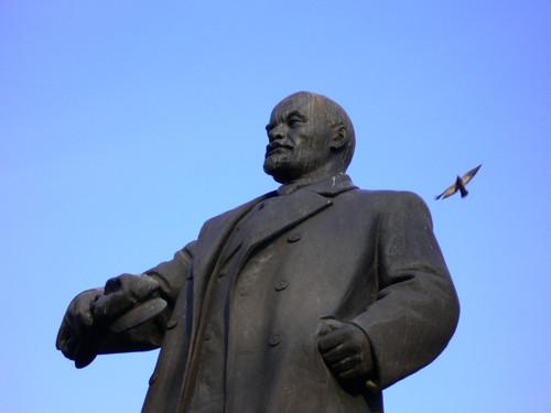 Главный Ленин Пермского края возле театра оперы и балета