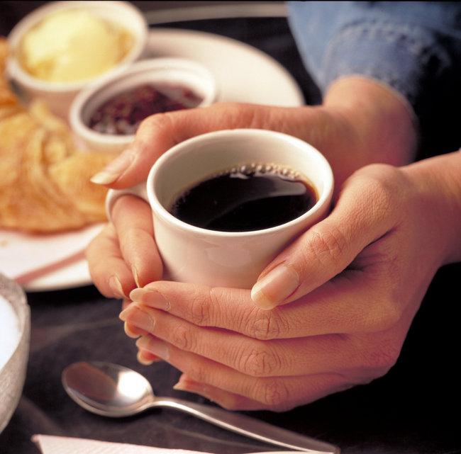 12542_coffee-cup-in-hands1