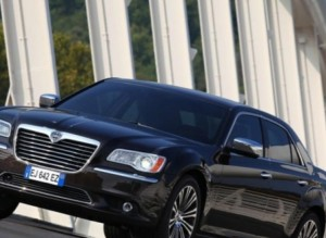 123195-large-18-lancia-thema-canadian-built-car-sales