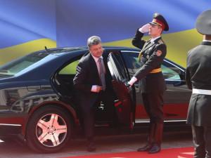 poroshenko-stal-prezidentom-ukrainy-predlozhil-plan-dlya-vostoka-strany_4
