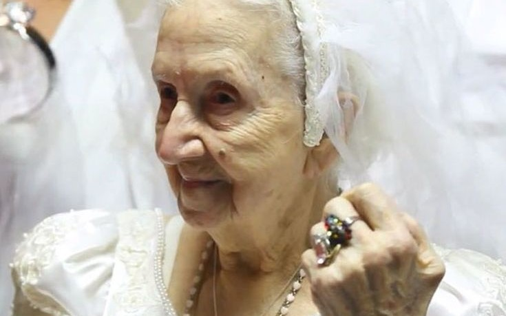Украинец женился на пенсионерке, чтобы не идти в армию