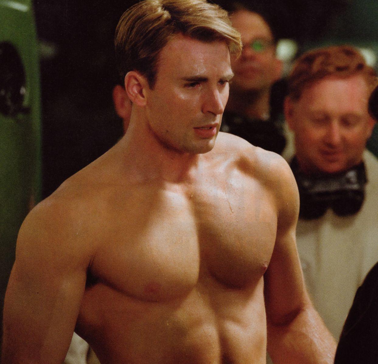The Men Of Hollywood: Chris Evans: Hot Captain America
