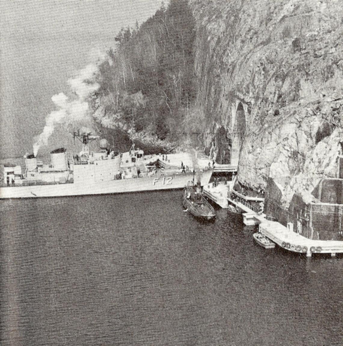 HMS_Sundsvall_in_Tunnel.jpg