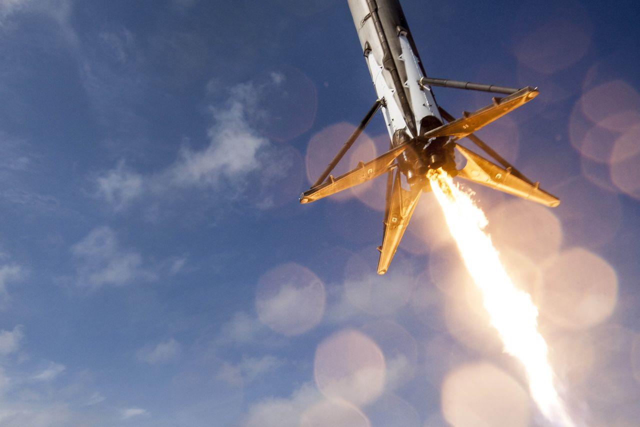 D_space-x-ocean-landing.jpg