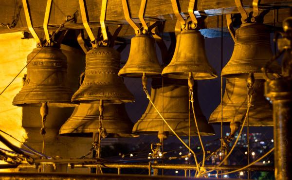 Комплект колоколов. Данилов монастырь. Москва. Ночь