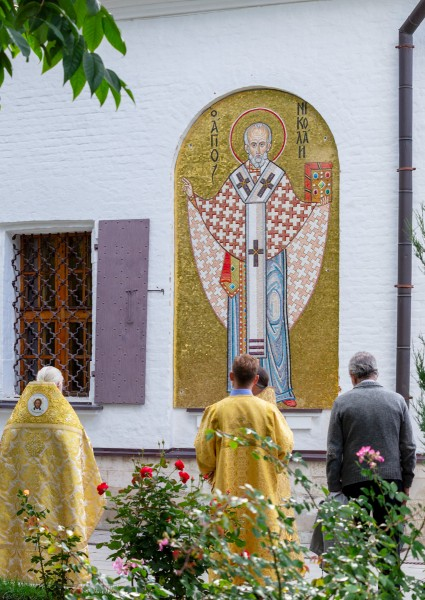 Китайское подворье, Святитель Николай Чудотворец, икона, мозаика, освящение, религия, православие, Москва