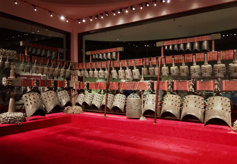 Zhong bell set from Zenghou Yi tomb. Набор колоколов чжон из гробницы Цзенхоу И