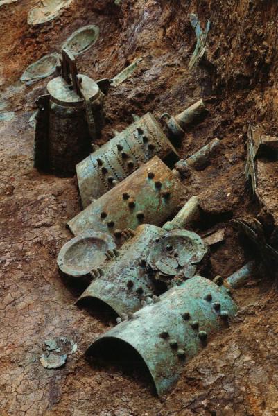 Bells in Tomb M111, Yejiashan, ancient China. Колокола в гробнице M111, древний Китай, Ецзяшан
