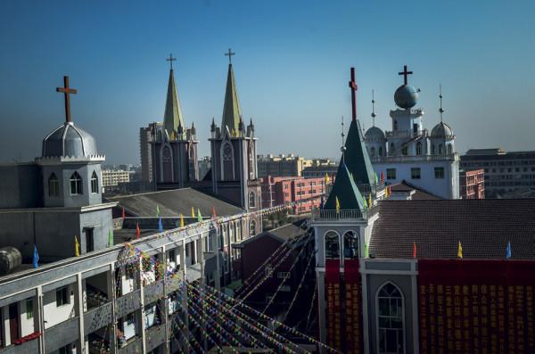 Three churches in Yishan, Cangnan county (Zhejiang). Credit - Shidang Ou