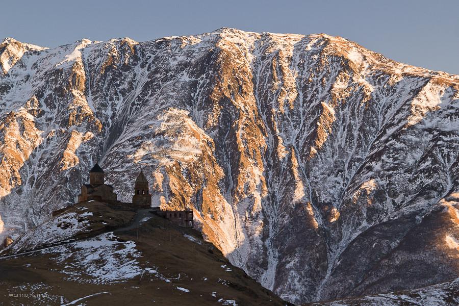 Монастырь на Казбеке