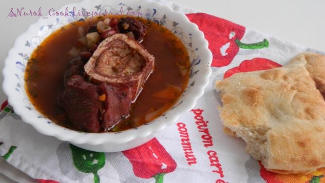 Фасолевый суп на говяжьем бульоне1