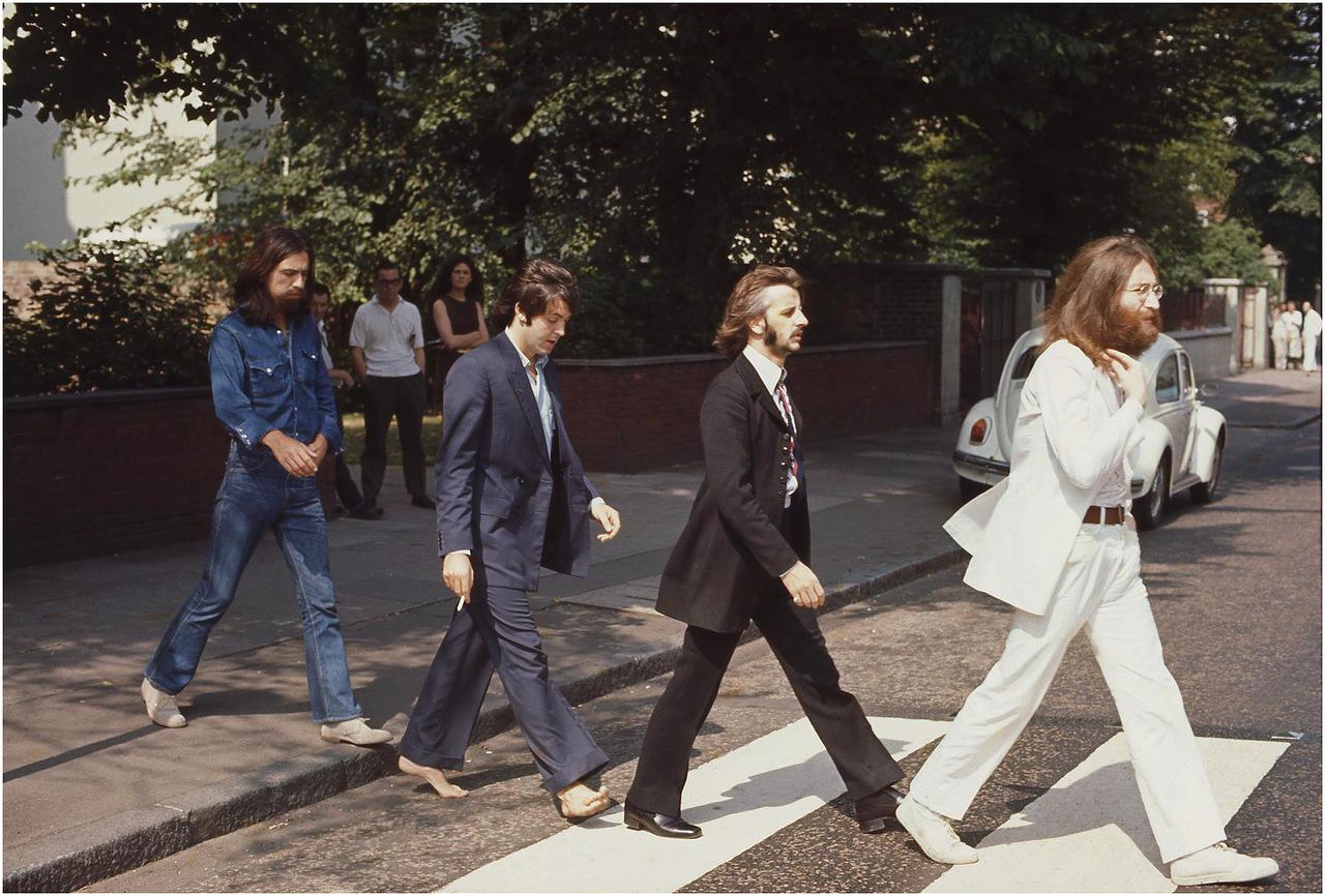 The_Beatles_AbbeyRoa-2