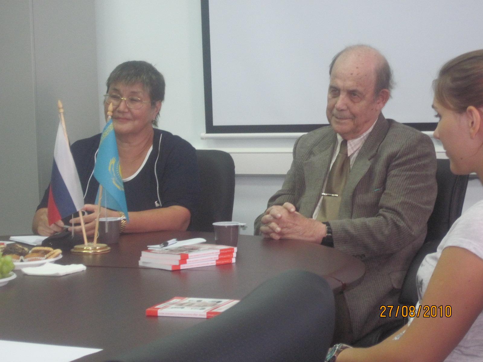 Akhmetova_Laila_2010_08_27_Stalin_KZ_leaders_03_Akhmetova_Laila_Grigoryev_Vladisl_Nekto
