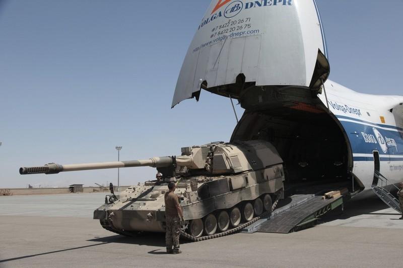 NATO_ISAF_2012_June_Il-76_Volga-Dnepr_US_tank