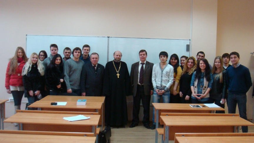 Dobrodeev_Alexander_archpriest_2012_12_20_Plekhanov_4_students_officers_sm