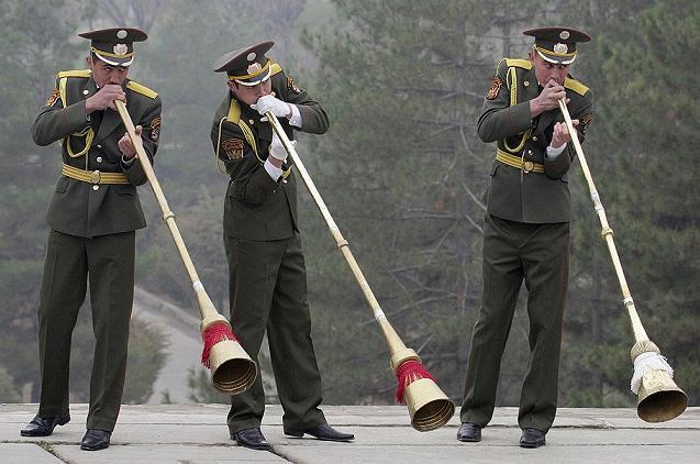 army_Tajik_karnai_brass-band-sm