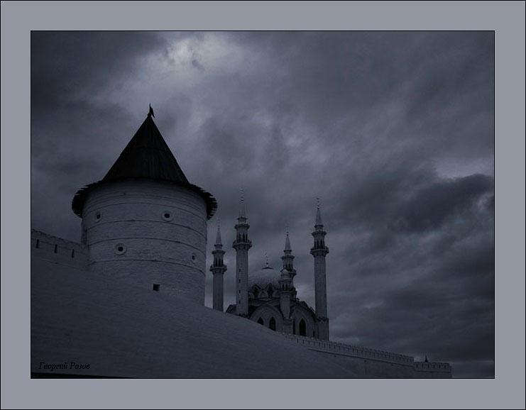 Kazan_2005_1000_years_17_Kremlin_Kul_Sharif_in_Kremlin_evening