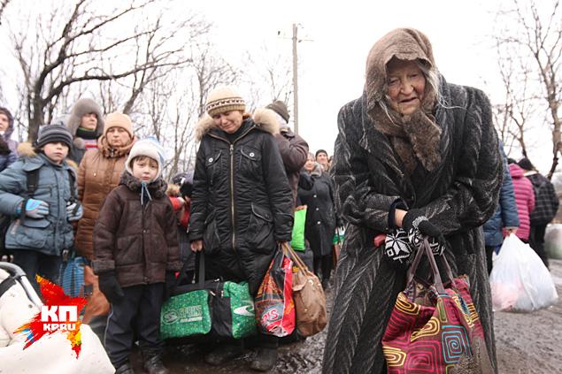 Euromaidan_2015_02_03_Ulgegorsk_babushki_video_www_kp_ru