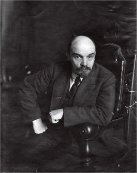 Lenin_1918_ph_Ottsup_Pyotr_Adolfovich