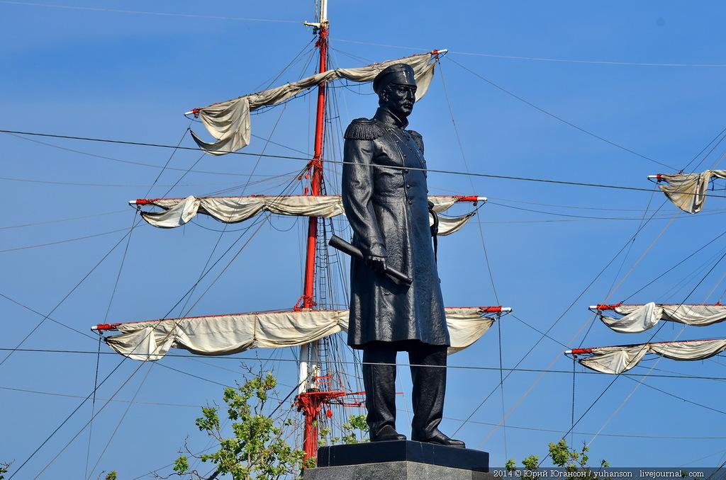 Sevastopol_2014_05_28_Yuri_Yuganson_LJ_yuhanson_13_bark_Sedov_admiral_Nakhimov