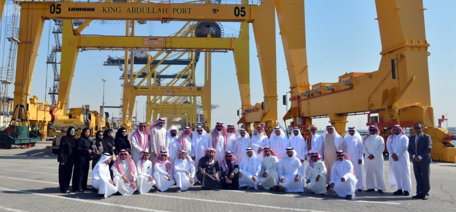 Делегация писателей, деятелей культуры и журналистов посетила порт им.Короля Абдаллаха в Рабиге