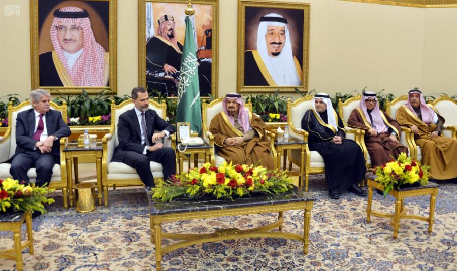 Король Испании прибыл в Эр-Рияд