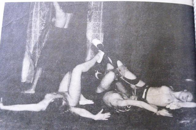 http://pics.livejournal.com/sociopat_empat/pic/0006sr1t/s640x480