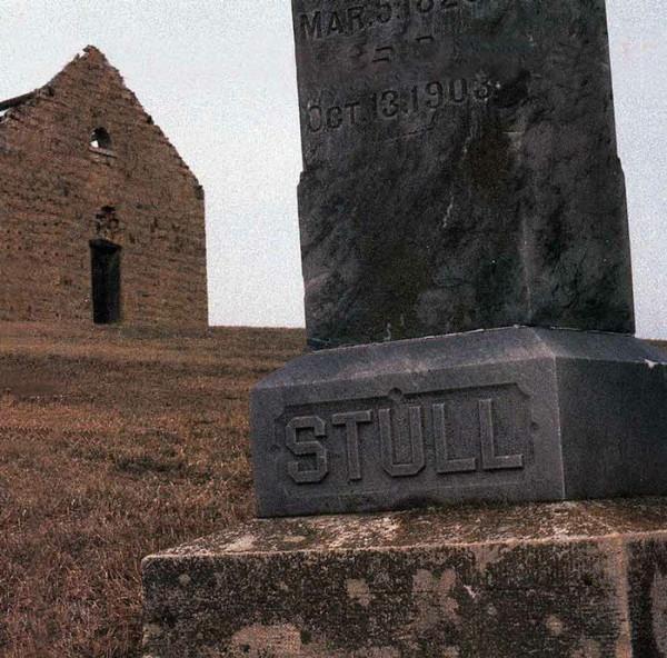 stull-cemetery-cemeteries-and-graveyards-730745_700_691
