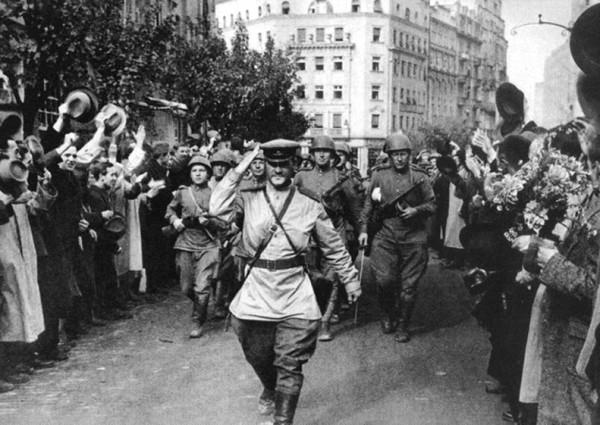 ВТОРАЯ МИРОВАЯ ВОЙНА: Историческая память об ОСВОБОДИТЕЛЬНОЙ МИССИИ СССР