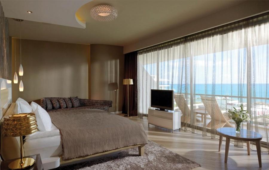 ivyyq30_maxx_royal_suite_sea_view_02