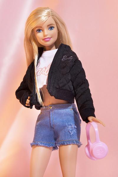 Chloe-Newman_Missguided-x-Barbie_42