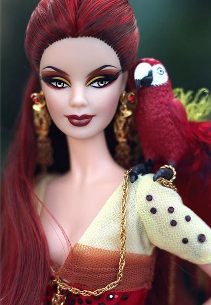 Барби Алый попугай