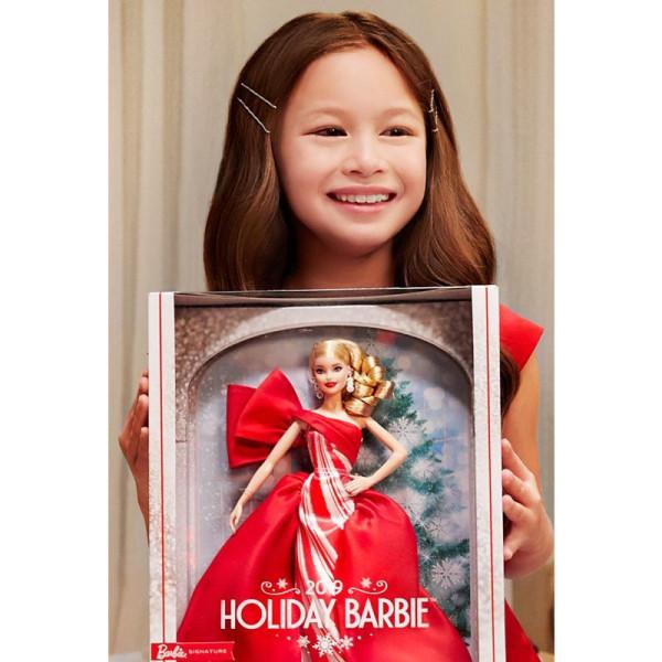 kukla-barbie-holiday-2019-barbi-prazdnichnaja-2019-blondinka-10