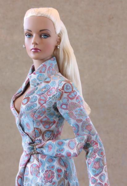 kukla-tonner-tyler-ice-blue-or-jet-blue-sydney-blonde-fashion-doll-tonner-tajler-goluboj-ljod-blondinka-iz-sidneja-3