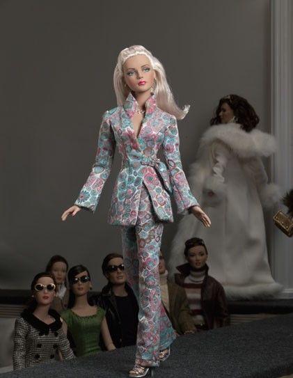 kukla-tonner-tyler-ice-blue-or-jet-blue-sydney-blonde-fashion-doll-tonner-tajler-goluboj-ljod-blondinka-iz-sidneja-4