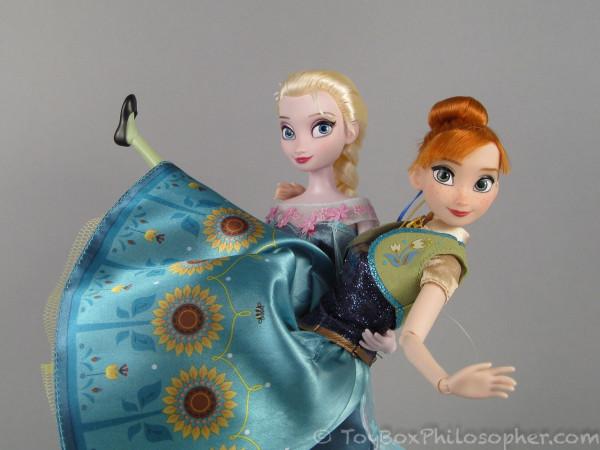 Frozen-Fever-Anna-Elsa-115