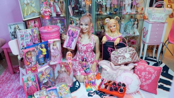 PAY-Barbie-Fanatic