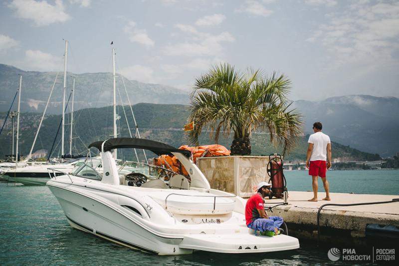 Пристань на берегу Адриатического моря города Будвы в Черногории       © РИА Новости / Варвара Гертье