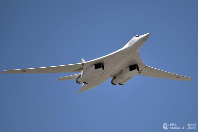 Cтратегический бомбардировщик-ракетоносец Ту-160. Архивное фото © РИА Новости / Алексей Никольский