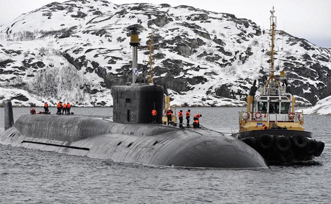 На фото: ракетный подводный крейсер стратегического назначения (РПКСН) «Владимир Мономах» (Фото: Лев Федосеев/ТАСС)