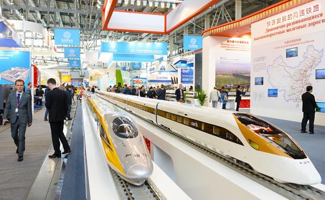 На фото: стенд Китайских железных дорог на международной выставке «ИННОПРОМ» (Фото: Донат Сорокин/ТАСС)