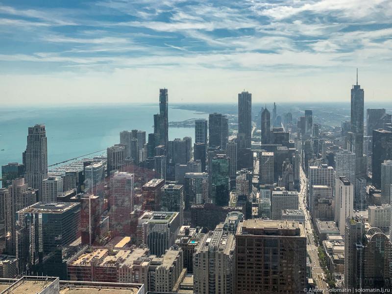 Вид на downtown Чикаго и озеро Мичиган